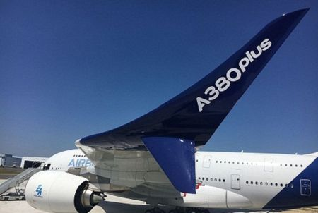 'Mo xe' may bay lon nhat the gioi Airbus vua ra mat - Anh 1
