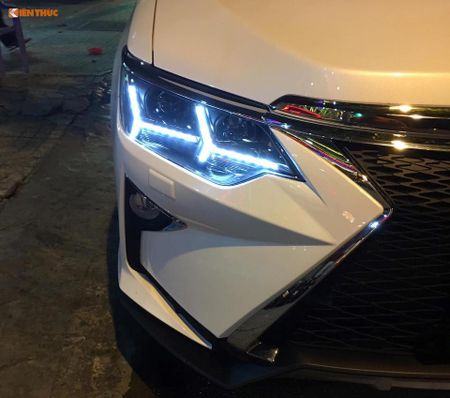 Toyota Camry 'bien hinh' Lexus gia chi 35 trieu tai VN - Anh 3