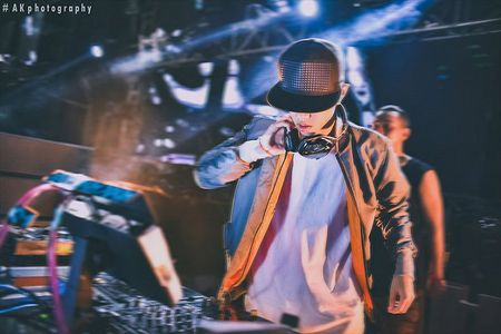 DJ doi Bao Thy tai 'The Remix 2017' ra mat ca khuc moi cung nghe si Ha Lan - Anh 5