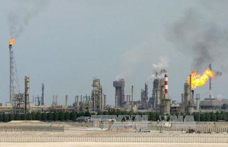 Cang thang vung Vinh: Qatar nguy co ton that kinh te nang ne - Anh 1