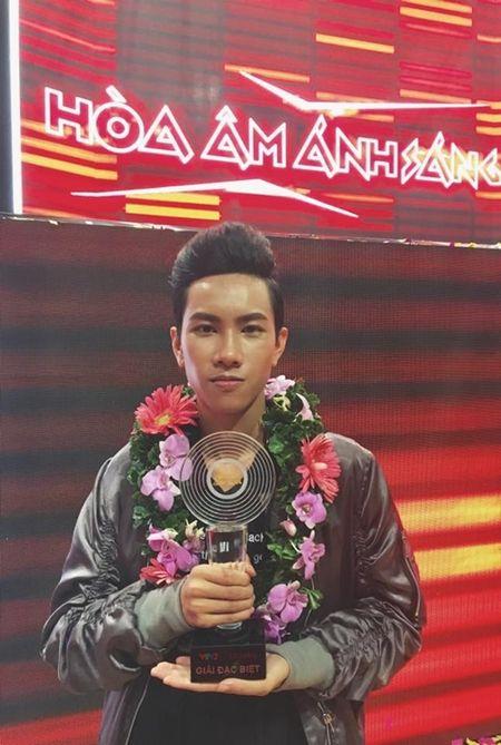 DJ Hoaprox tung san pham 'de ghien' voi hang thu am hang dau Ha Lan - Anh 1