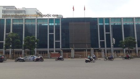 Hoc vien Hanh chinh Quoc gia va nhung chung chi khong duoc cong nhan - Anh 3