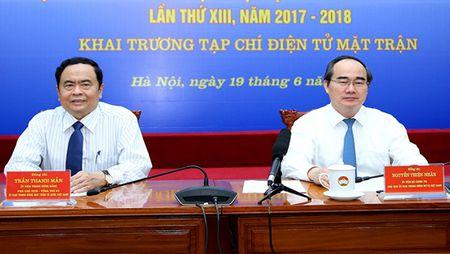 Chu tich Nguyen Thien Nhan du le ra mat Tap chi dien tu Mat tran - Anh 1
