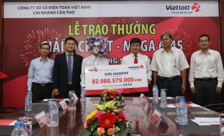 Khach hang An Giang trung 82 ty da den Can Tho nhan tien - Anh 1
