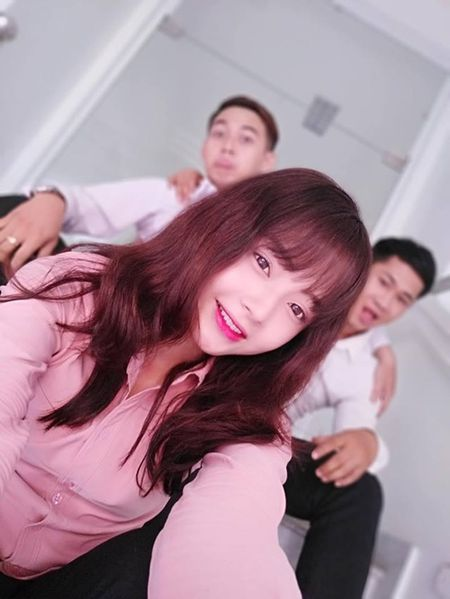 """Bat bai"" bi quyet selfie nghin like voi Vivo V5s - Anh 3"