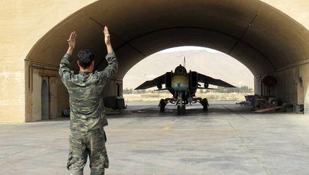 Sau vu Su-22 Syria bi ban ha, phong khong Nga chinh thuc 'tuyen chien' - Anh 2