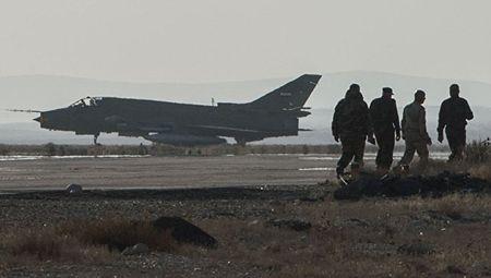 Quan doi Syria giai cuu phi cong cuong kich Su-22 bi My ban roi - Anh 1