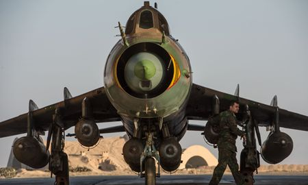 Quan doi Syria giai cuu phi cong cuong kich Su-22 bi My ban roi - Anh 4