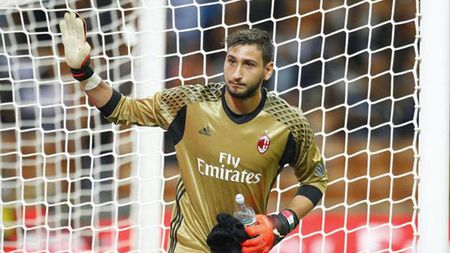 AC Milan dung 'luat rung' ep thu mon o lai - Anh 1