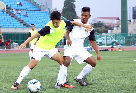 U.17 Viet Nam dai chien U.17 Campuchia tren san Olympic - Anh 10