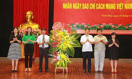 Tinh Vinh Phuc gap mat cac co quan bao chi - Anh 1