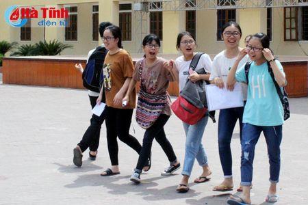 Cong bo diem thi tot nghiep THPT vao Truong Chuyen Ha Tinh - Anh 1