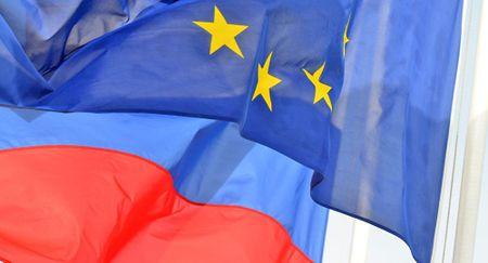 WSJ: Lenh trung phat khong ngan can EU va Nga mo rong quan he - Anh 1