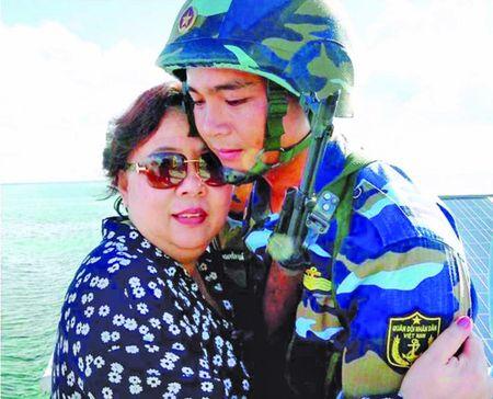 Truong Sa luon in dam trong trai tim nguoi Ha Noi - Anh 5