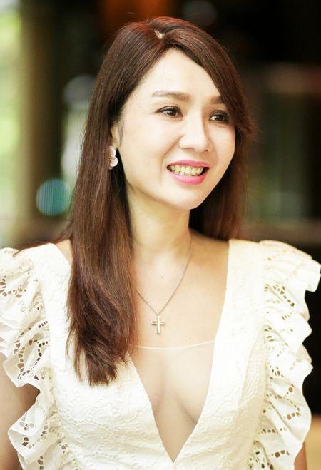 Hellen Thanh Dao lo nhan sac that xuong doc tram trong, phu nhan chuyen bi tay chay o Dai Loan - Anh 2