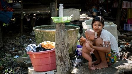 Canh khon cung cua nhung nguoi vay nang lai o Myanmar - Anh 1