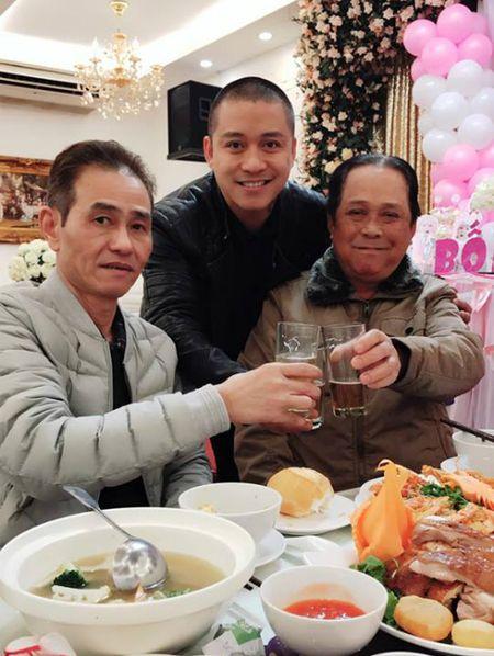 Dan Truong khoe con trai bu bam, Ha Tang noi bat voi vay do - Anh 9