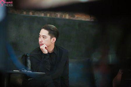 Giai ma hien tuong 'nam chinh duoc san don' trong MV Co Em Cho - Anh 3
