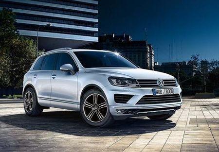 Volkswagen Viet Nam bat ngo giam gia xe den 260 trieu dong va nhieu uu dai khac - Anh 1