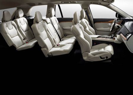Volvo XC90, xe an toan nhat the gioi lai gap loi an toan - Anh 2