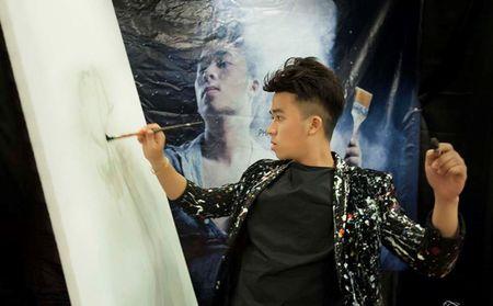 Hoa si ve tranh nuoc lam live show hoi hoa - Anh 1