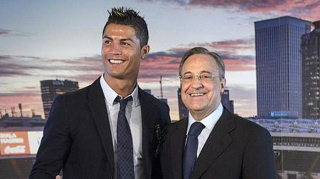 Chu tich Real: 'Den ma mua Ronaldo, cau ay co gia 880 trieu bang' - Anh 1