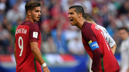 Ronaldo va nhung tranh cai xung quanh danh hieu 'Cau thu hay nhat tran Bo Dao Nha - Mexico' - Anh 1