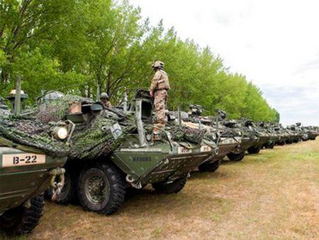 5.000 binh sy cua to chuc NATO tien hanh tap tran tai Romania - Anh 1