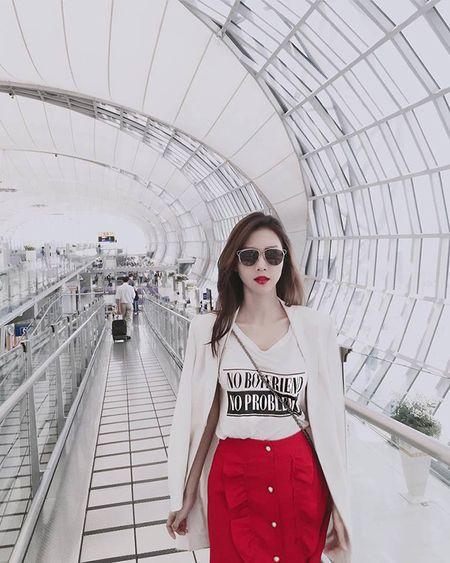 'Ban gai' Son Tung bat ngo xuat hien sau 3 nam gay bao mang - Anh 16