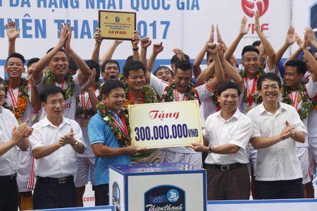 Chum anh: San Thien Truong ruc lua ngay Nam Dinh len V-League - Anh 10