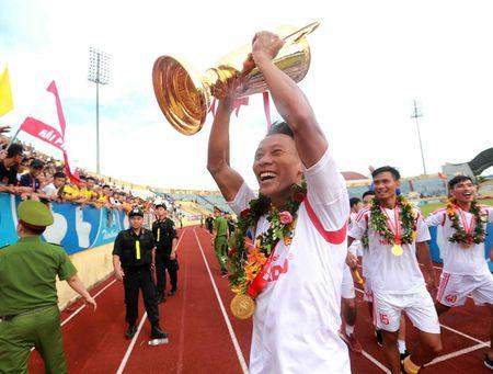 Chum anh: San Thien Truong ruc lua ngay Nam Dinh len V-League - Anh 1