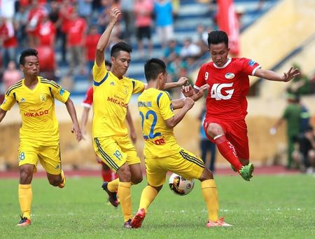 Chum anh: San Thien Truong ruc lua ngay Nam Dinh len V-League - Anh 2