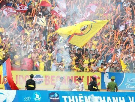 Chum anh: San Thien Truong ruc lua ngay Nam Dinh len V-League - Anh 5