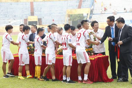 Chum anh: San Thien Truong ruc lua ngay Nam Dinh len V-League - Anh 7