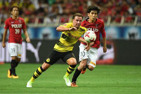 Urawa Red 2-3 Dortmund: Messi Tho Nhi Ky lap cu dup - Anh 10