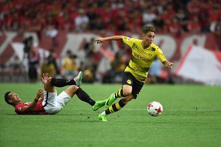 Urawa Red 2-3 Dortmund: Messi Tho Nhi Ky lap cu dup - Anh 4