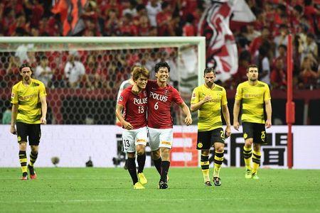 Urawa Red 2-3 Dortmund: Messi Tho Nhi Ky lap cu dup - Anh 7