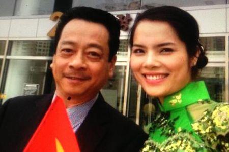 Nguy hiem tren phim, ngoai doi 'ong trum' Hoang Dung ra sao? - Anh 9