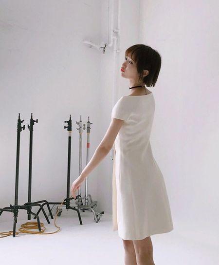 Sao Han 15/7: Se Hun he lo hau truong MV moi, Sung Jae mat sach ve my nam - Anh 3