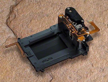 Nikon thu hoi D750 lan thu 3, van loi man trap - Anh 1