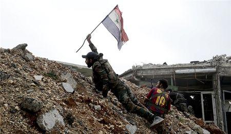 Quan doi Syria tan cong ac liet o Hama, IS cam dau chay - Anh 1