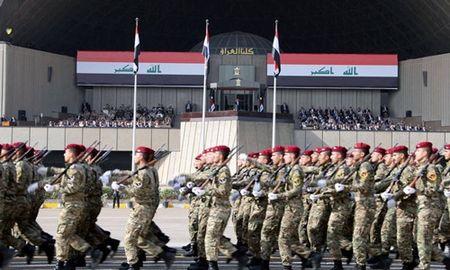 Iraq duyet binh o Baghdad mung danh bai IS - Anh 1