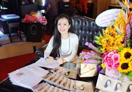 Ca si Van Ngan Hoang qua doi o tuoi 31 vi ung thu - Anh 1