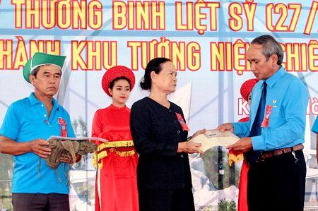 Khanh thanh tuong dai tuong nho 64 chien si Gac Ma - Anh 3