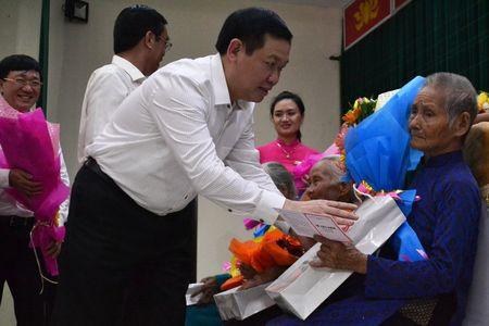 Doan cong tac Chinh phu vieng Nghia trang Liet sy tai Quang Tri - Anh 6