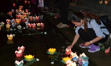 Doan cong tac Chinh phu vieng Nghia trang Liet sy tai Quang Tri - Anh 7