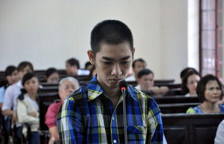 Nong trong ngay: Dieu tra vu nguoi phu nu chet bat thuong ben khe nui - Anh 6