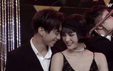 Bi lo anh hen ho, day la cach Soobin Hoang Son va ban gai tin don dap tra - Anh 4