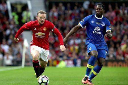 Diem tin sang 16/07: Rooney canh tinh Lukaku; Sanchez doi roi Arsenal - Anh 1
