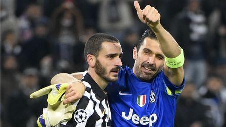 SOC: Chi minh Buffon muon Bonucci o lai Juventus - Anh 1
